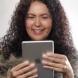 Как реагират обикновените жени, когато се видят след обработка с фотошоп? (Видео)