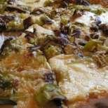 Пица с праз, гъби и картофи