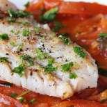 Бяла риба на фурна със зехтин и подправки