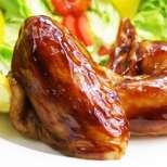 Пиле в златна марината