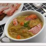 Гъста грахова супа със свинско