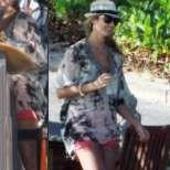 Джордж Клуни и Стейси Киблър бягат от коледната лудост в Мексико