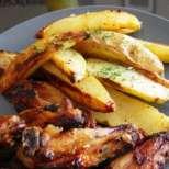 Пилешки крилца с картофи