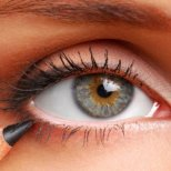 Как да прикрием някои дребни недостатъци  на очите си с грим