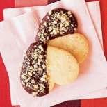 Шоколадово-орехови сърчица