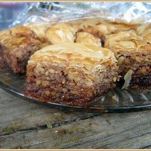 Гръцка баклава с кексово тесто