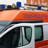 Безработен мъж се обеси от отчаяние, полицаи носят трупа на ръце 1 км