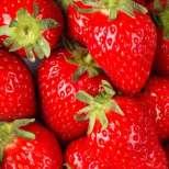 Отслабване, подмладяване и избелване на зъбите- всичко това благодарение на ягодите