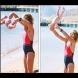 Вижте, защо жена хвърля бебето си на плажа