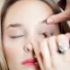 Летен хит: Бялата очна линия + розови устни (Видео)