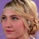 Сватбена прическа с аксесоар в косата (Видео)