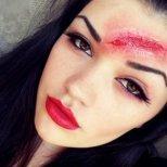Как да си направим рана от грим за Хелоуин