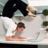 Как да сме в добра форма, когато седим зад бюрото