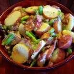 Картофки на тиган с бекон и зелен фасул