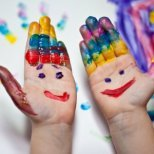 Как да си прекараме забавно вкъщи с децата