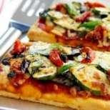 Пица с домати и патладжан