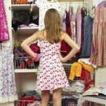 Не бързайте да изхвърляте дрехите, които не носите
