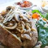 Печени картофи с гъби и жито