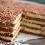 Как се прави бисквитена торта-лесни рецепти