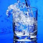 Чаша топла вода всеки ден за добро здраве