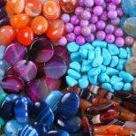 Какво е значението на цветовете за талисманите и амулетите