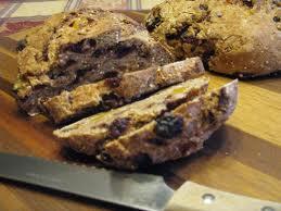 Ръжен хляб със сушени плодове