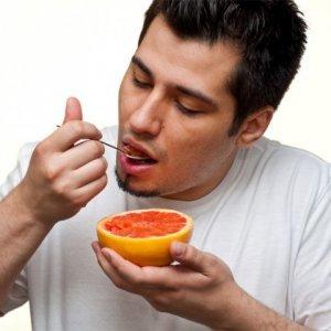 Какъв е мъжът според навиците му да се храни