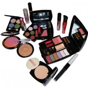Кои са вредните компоненти в козметиката, които трябва да избягваме