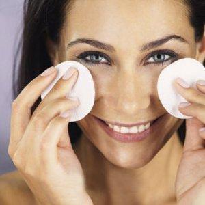 Грешките, които допускаме за грижата към кожата