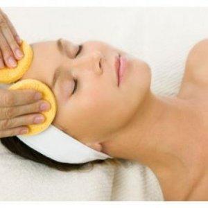 Какви грешки допускаме при почистване на кожата