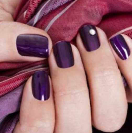 Какви цветове лак отиват на къси нокти?