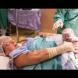 Нова тенденция в света: Сами вадите бебето от корема си!
