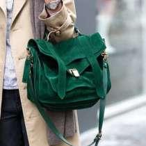 Всички носят: Зелена чантата (Снимки)