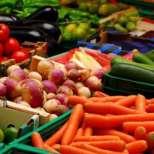 Вижте плодовете и зеленчуците, които се пръскат най-много с препарати имат най-много токсини