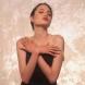 Появиха се невиждани снимки на 16-годишната Анджелина Джоли по бански и по бельо