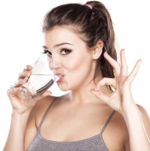 С пиене на топла вода и този режим е загубила цели 18 кг за две седмици