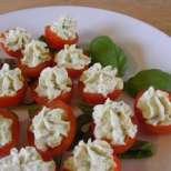 Чери доматчета с песто-крем