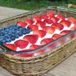 Лека бисквитена торта с горски плодове