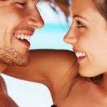 Защо мъжете често си падат по непривлекателни жени