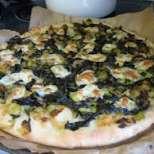 Спаначена пица с праз и козе сирене
