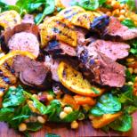 Жарено свинско филе със спаначена салата