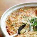 Домати на фурна с яйца и сирене