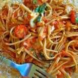 Спагети с доматено-яйчен сос