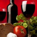 Защо е полезно да пием червено вино
