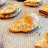 Пирожки с кайма и сирене