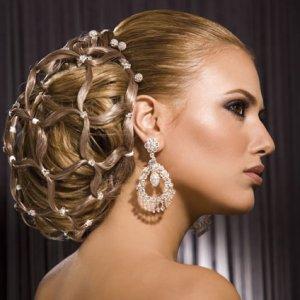 Какви аксесоари да си сложите в косата