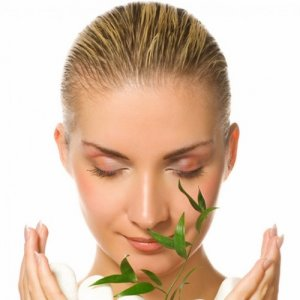 Природни средства за освежаване и почистване на кожата