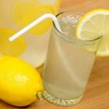 18 причини, поради които всеки ден да започвате с топла вода и лимон - стимулира отслабването,чисти кръвта ...