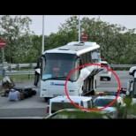 Пътниците в автобуса с бомбата са се спасили от адската катастрофа по случайност-Вижте извършителят!