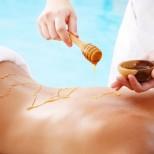 Масаж с мед против умора и стрес и срещу целулит